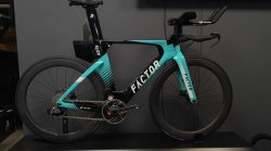 Велосипед Factor SLiCK DISC CUSTOMIZE SRAM RED AXS x 2 DISC + Power meter