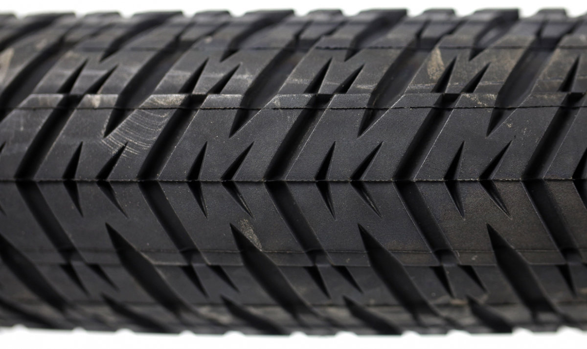 Покрышка Maxxis DTH 26x2.3 1 DTH 26x2.3