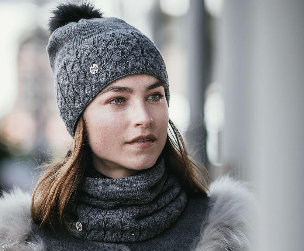 Шапка с помпоном Buff Knitted & Polar Hat elie grey 3 Knitted & Polar Hat BU 116012.937.10.00