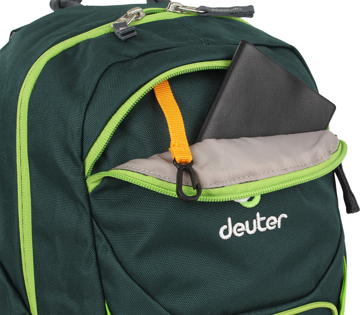 Велосипедный рюкзак Deuter GO-GO forest-kiwi Deuter GO-GO forest-kiwi front pocket 3820016 2225