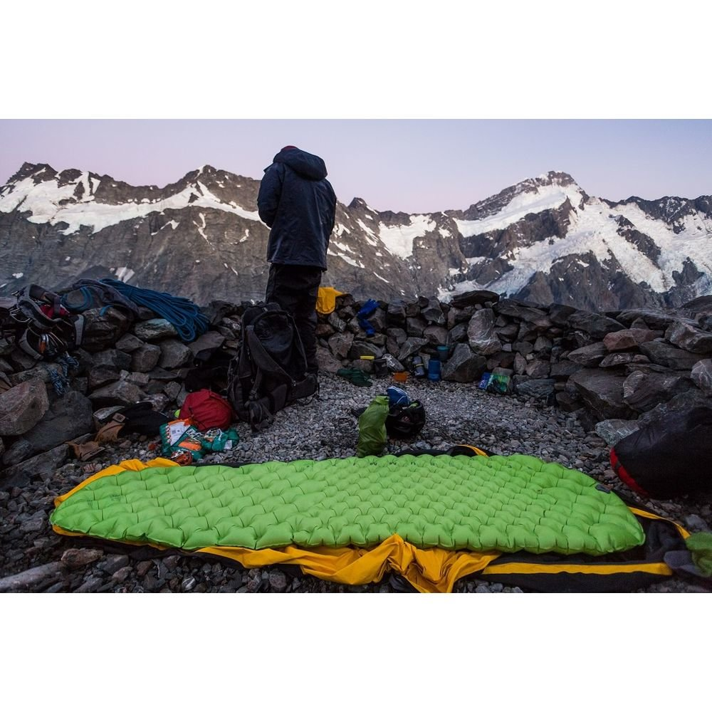 Коврик Sea to Summit Air Sprung Comfort Light Mat L на земле-1 STS AMCLLAS