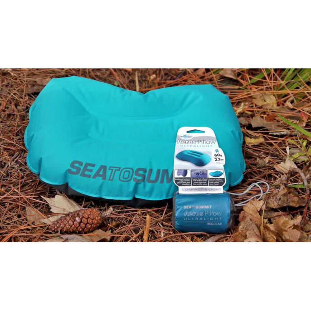Подушка надувная Sea to Summit Aeros Ultralight Pillow Large teal/grey на земле