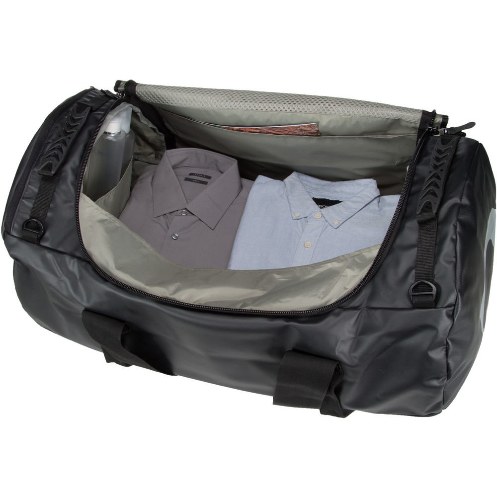 Сумка Tatonka Travel Duffle M Olive Сумка Tatonka Travel Duffle M Black 2 TAT 1944.331