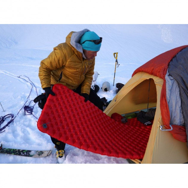 Коврик Sea to Summit Air Sprung Comfort Plus Insulated Mat Large в палатке STS AMCPINSL